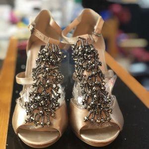 BCBGMaxazria heels beautiful size 8